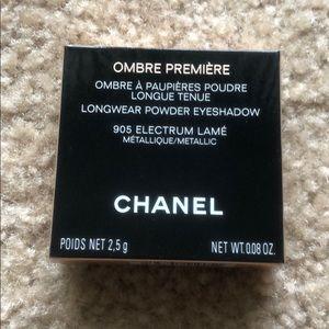 Chanel eyeshadow in 905 electrum lamé